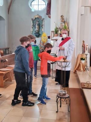 Foto zur Meldung: Zweiter Jugendgottesdienst zur Firmvorbereitung am 02.07.2021 in der Pfarrkirche St. Johannes in Moosbach