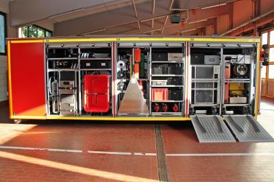 Neues Spezialgerät für die Freiwillige Feuerwehr Rosenheim – Abrollbehälter Gefahrgut ab sofort im Einsatz