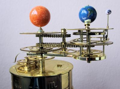 Das Tellurium - neues Ausstellungsstück im Planetarium