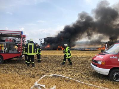 Foto zur Meldung: Einsatz außerhalb des Kreises Segeberg: Feuerwehr hilft bei Brand in Kalübbe