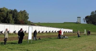 Mauerspechte kommen für drei Wochen ans Grenzdenkmal Hötensleben