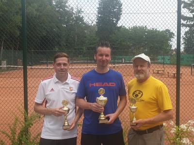 Foto zur Meldung: 1.Wusterhausen Open - 2 TCW Spieler auf dem Treppchen