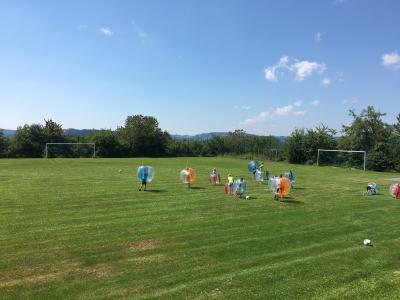 Ferienprogramm: Bubble-Soccer bei der Kath. Landjugend Moosbach