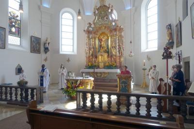 Foto zur Meldung: Hochfest Mariä Himmelfahrt am 15.08.2021 in der Pfarreiengemeinschaft Moosbach-Prackenbach-Krailing mit Kräuterbüschelweihe