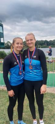 Vanessa Stramke (rechts) holte im K2 die Bronzemedaille bei den Deutschen Meisterschaften in Hamburg.