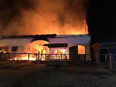 Foto zur Meldung: Brand eines Stallgebäudes in Übelmanna