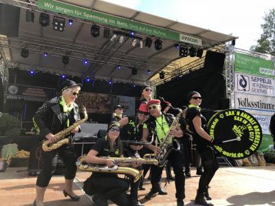 """""""Sax´n Anhalt VIP-Band"""" sorgt für Hochstimmung beim 27. Genthiner Kartoffelfest am 18. September"""