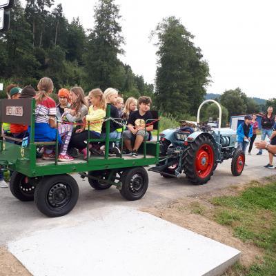 Ferienprogramm: Ausflug des Dorfvereins Hagengrub zum Tiergnadenhof in Zell