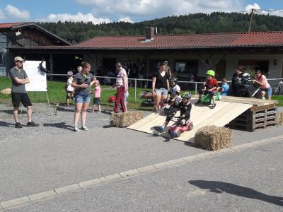 Ferienprogramm: Sonniger Nachmittag mit der Jugendfeuerwehr Moosbach