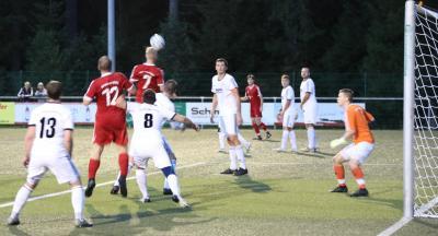 Hinterzarten gewinnt Derby gegen Feldberg-Schluchsee mit 3:0 - Foto: johapress