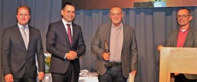 Bildhauer Reinhard Mader  erhält Kulturpreis des Landkreises Passau