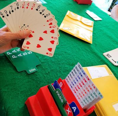 52 Spielkarten und die Freude am Kartenspiel - Bridgegruppe sucht MitspielerInnen