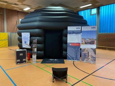 Pop-Up-Planetarium an unserer Schule