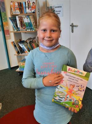 2. Klasse besucht die Stadtbibliothek
