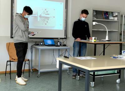 10F besucht das Schülerlabor am DESY in Hamburg