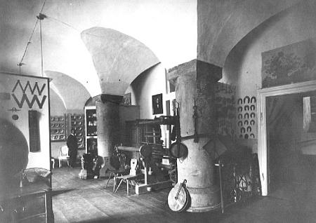 Heimatmuseum im Schloss 1933. Saal für Handwerk, Gewerbe, Volkskunde