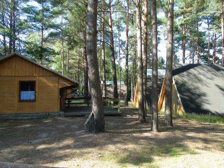 Bungalows und Finnhütten
