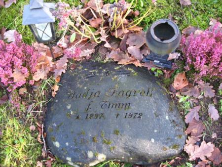 Nadjas Grabstein in Boras. Was für eine Geschichte, die sich hier verbirgt!