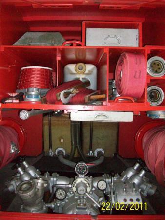 16 TS 8 Gerätefach Heckseite.jpg