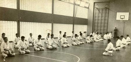 1968: JKA-Delegation leitet  Dojo-Training