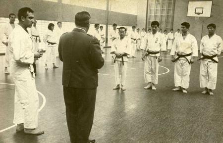 1968: JKA-Delegation im Gladbecker Dojo