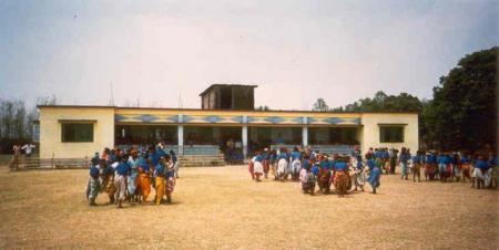 1 Die erste St. Thomas School in Chatterhat.jpg
