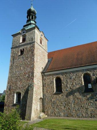 Kirche Döllnitz
