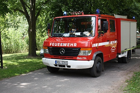 1 Tragkraftspritzen Fahrzeug TSF-W (Baujahr 2002)