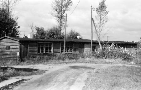 In dieser Baracke am Bahndamm in Neukalen war von 1938 bis 1945 eine Seidenraupenzucht untergebracht (Aufnahme vom Herbst 1985)