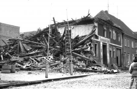 Abriß des Seemann´s Hotel im März 1989
