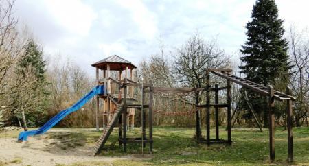 Spielplatz neu
