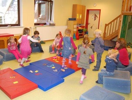 Kindergarten villa fr hlich freispiel und angebotsphase - Angebote kindergarten sommer ...