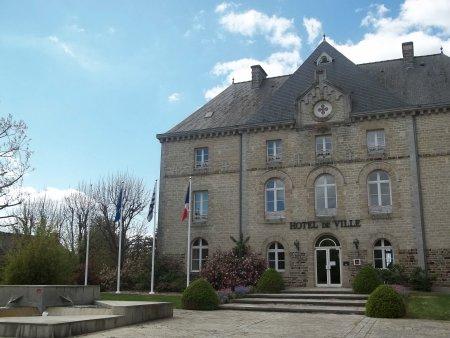 Rathaus Montauban.jpg
