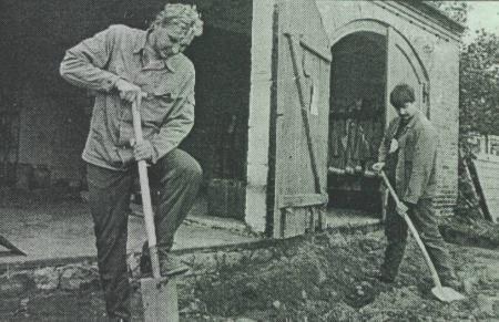 Uwe Blumenthal und Feuerwehrmann Bert Höcker