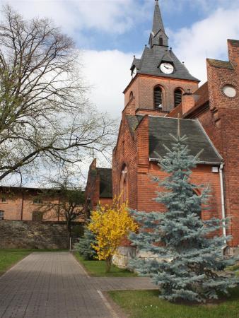 bearbeitetesBild Kirche1.jpg