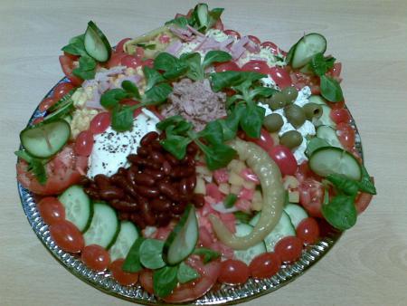 ananastasya fruchtige fingerfoods gemischte salatplatte. Black Bedroom Furniture Sets. Home Design Ideas