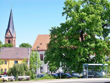 Pouch Dorfplatz
