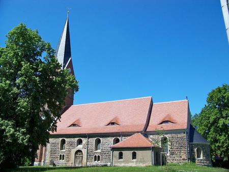 Pouch Kirche