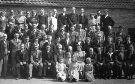 Ziegeleibelegschaft am 1.5.1953
