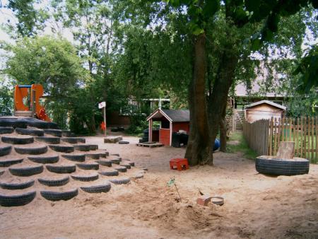 Kletterbogen Garten Kinder : Sankt nicolai kindergarten das außengelände