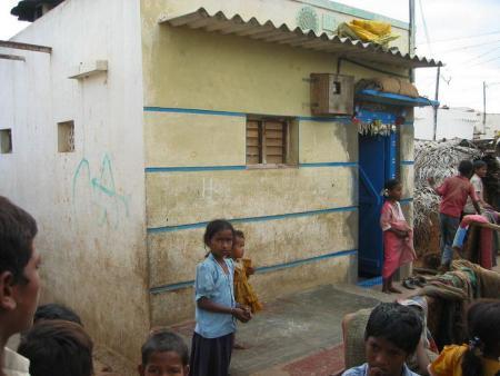 a62 0114 Slum Haus neu kl.jpg
