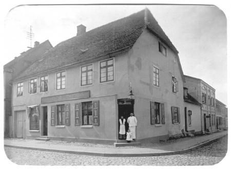 Conditorei & Café von Ernst Wiechert (Ansichtskarte um 1930)
