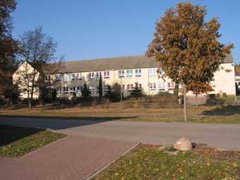 Ansicht-Schule.jpg