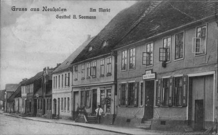 Ansichtskarte Am Markt Gasthof A. Seemann (rechts) 1911 oder früher