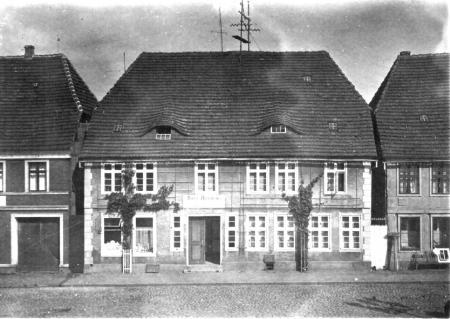 Apotheke um 1930