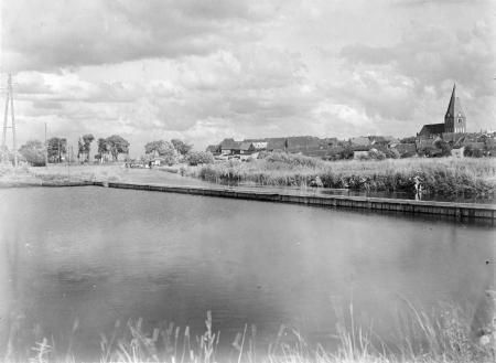 Blick von der Badeanstlt auf die Stadt um 1935
