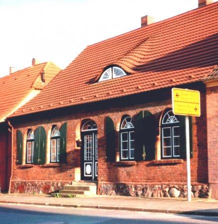 Haus Bahnhofstraße 3, 2003