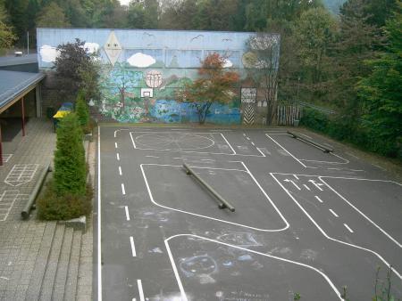 Blick auf den Schulhof