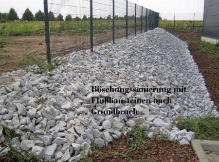 Böschungssanierung mit Flußbausteinen nach Grundbruch Bautzen.JPG
