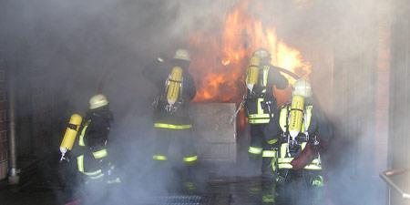 Brandschutzübung von Einsatzkräften der Stadtfeuerwehr Landsberg